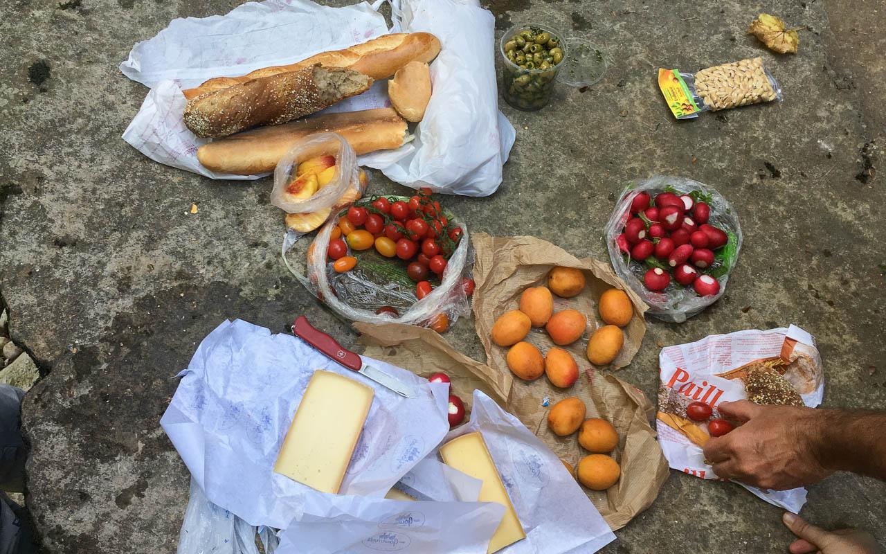 Picknick Areuse Schlucht Mittagspause