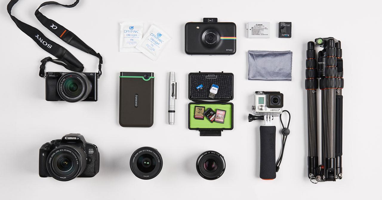 Fotoausrüstung für Reisen: Fotoequipment von Kamera bis Stativ