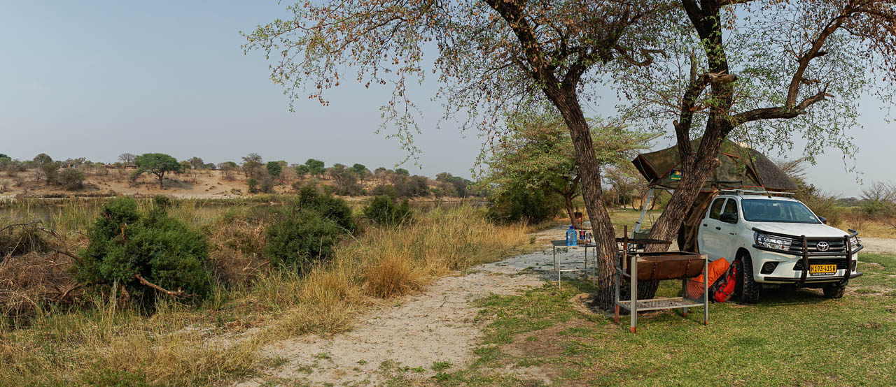 autofahren-botswana-campingplatz-auto-dachzelt