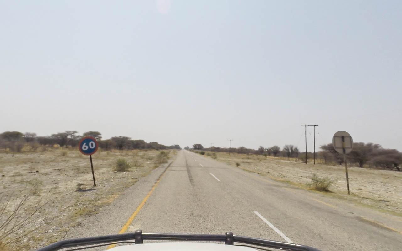 autofahren-botswana-geschwindigkeit-nationalparl