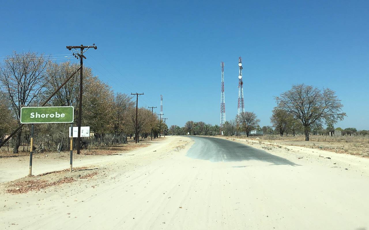 Autofahren Botswana Tipps Teerstraßen