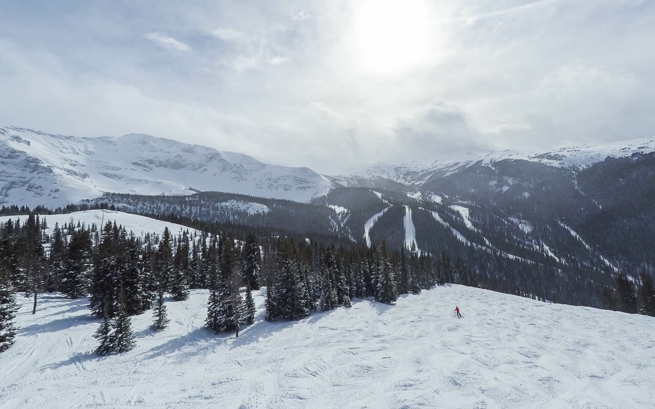 skifahren-kanada-sunshine-village-banff-skipiste-leer