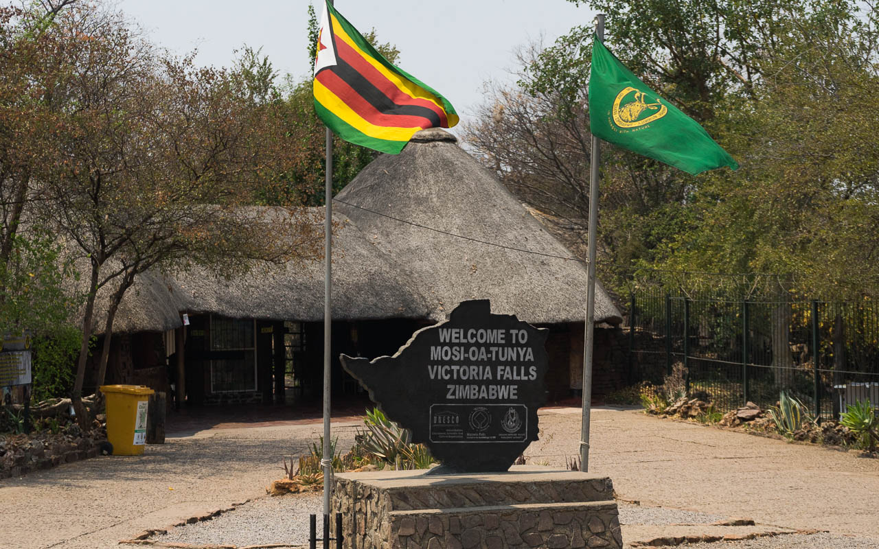 Eingang der Victoria Falls aus ZImbabwe