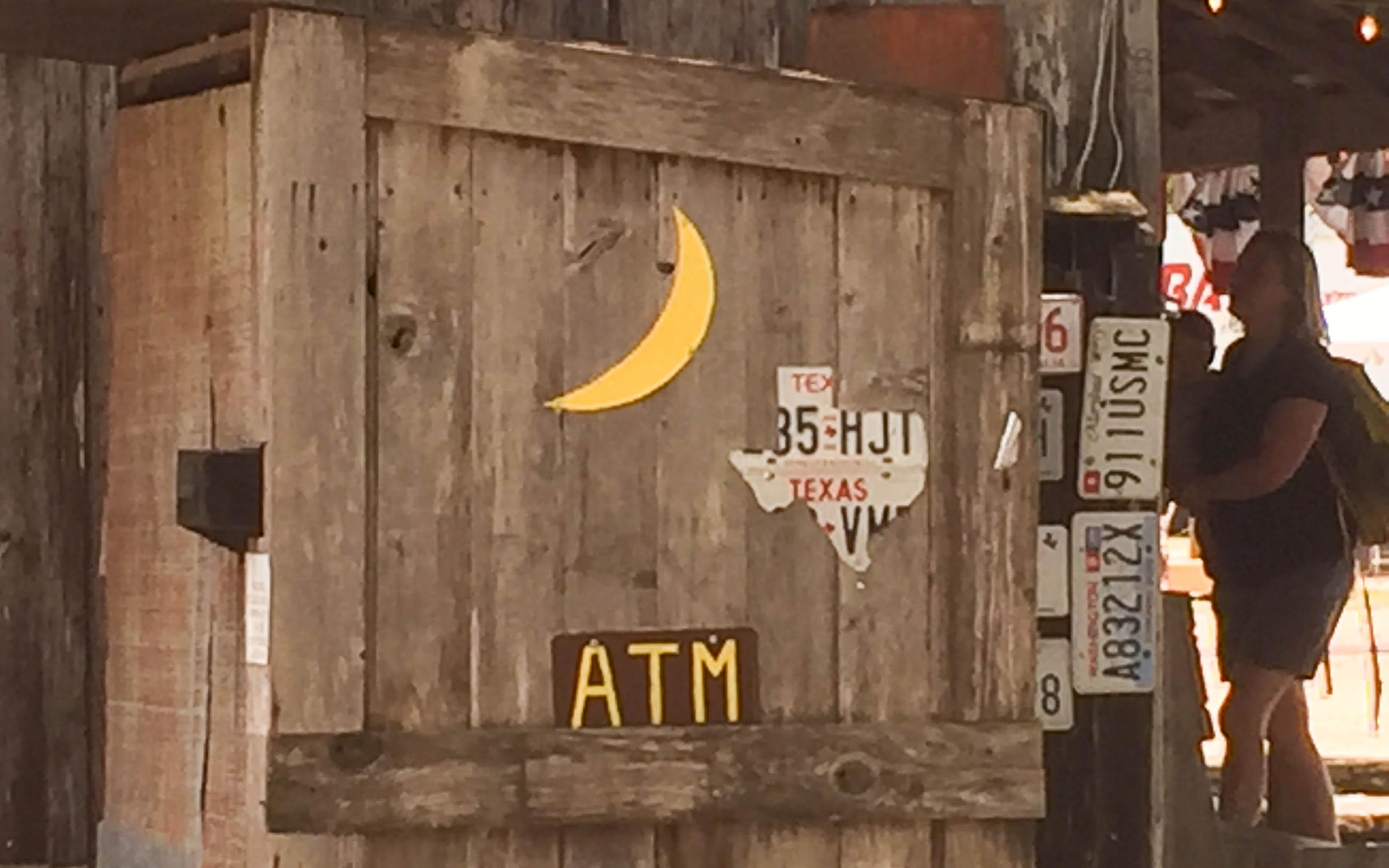 Austin Texas Tipps Luckenbach ATM