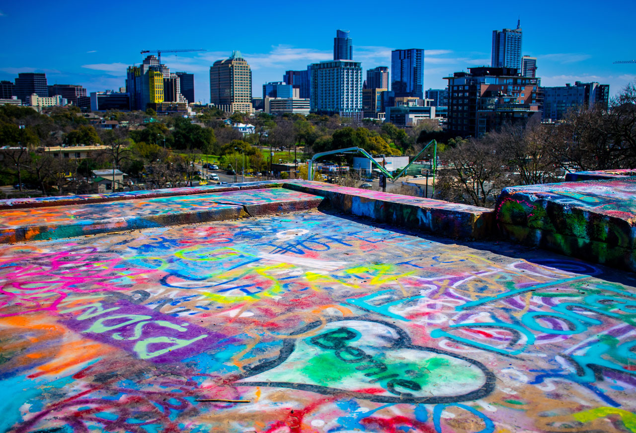 Austin Texas Tipps Street Art Skyline
