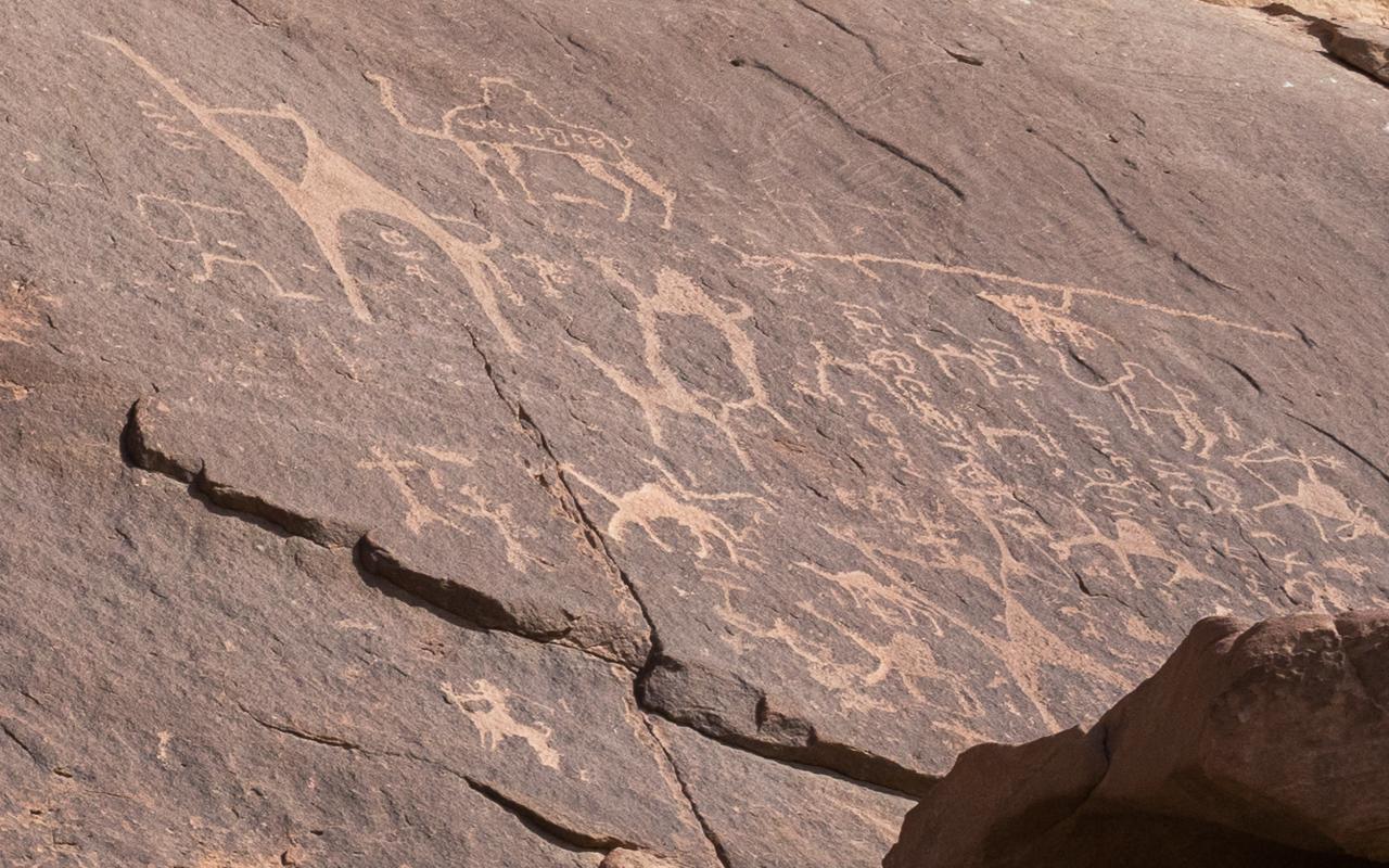 dreohort-wadi-rum-steinzeichnungen