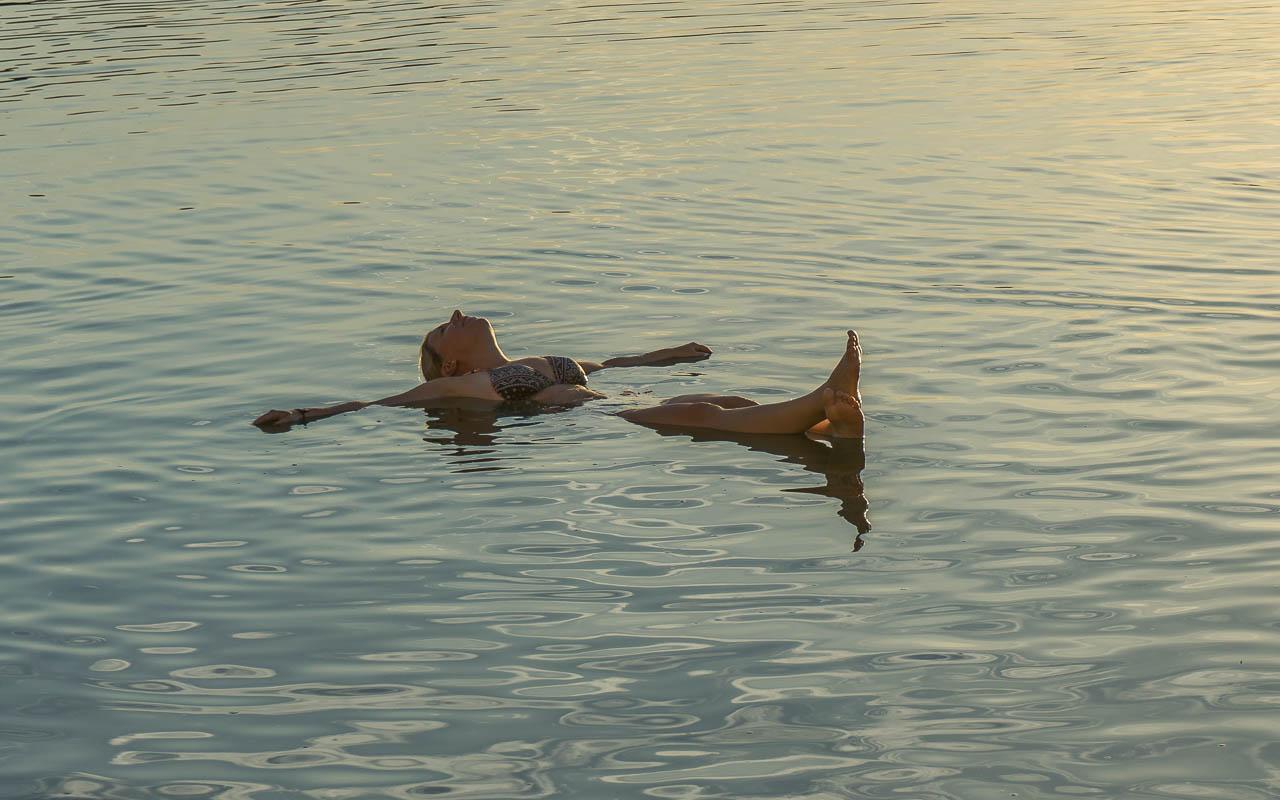 jordanien-totes-meer-baden