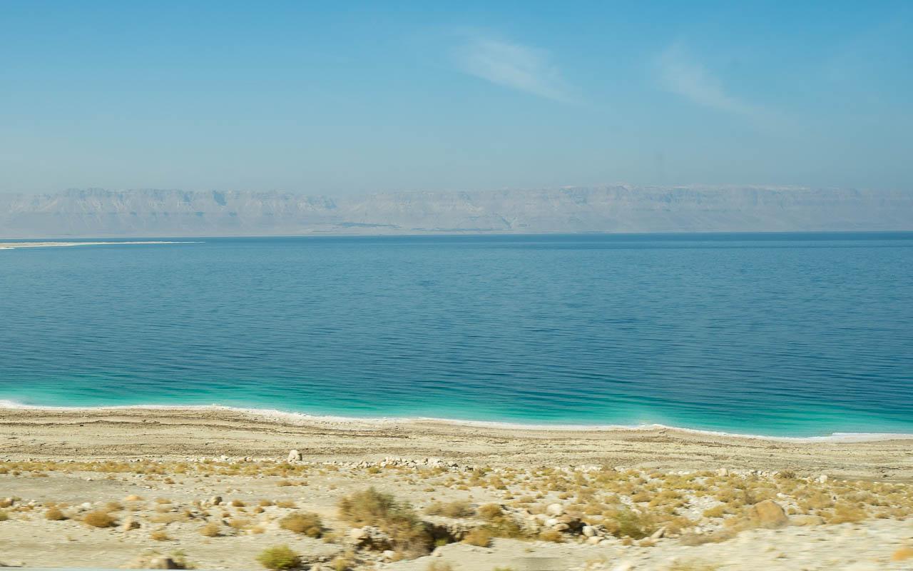 reisebericht-jordanien-rundreise-fahrt-entlang-totes-meer