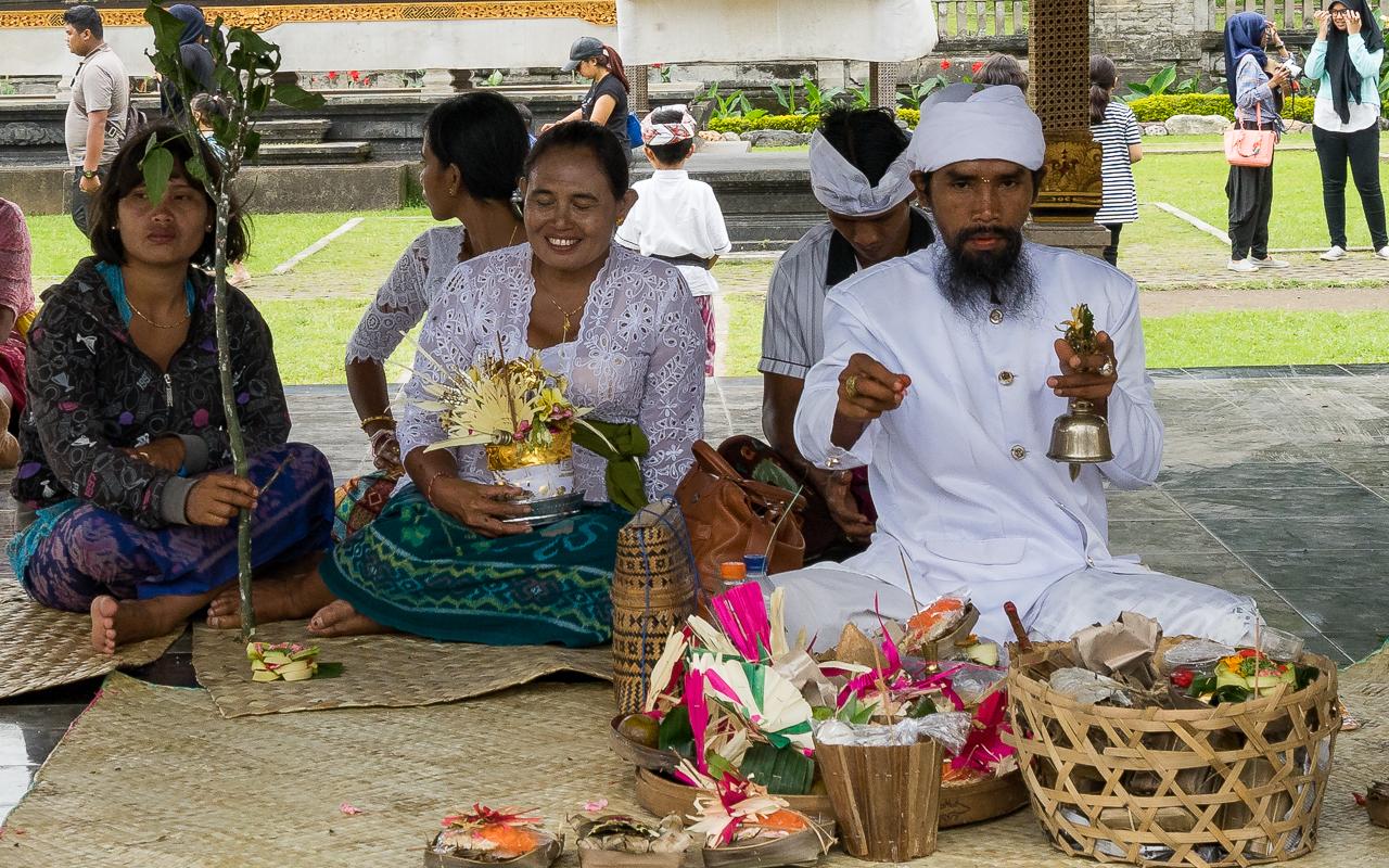 tempel-pura-ulun-danu-bratan-zeremoine