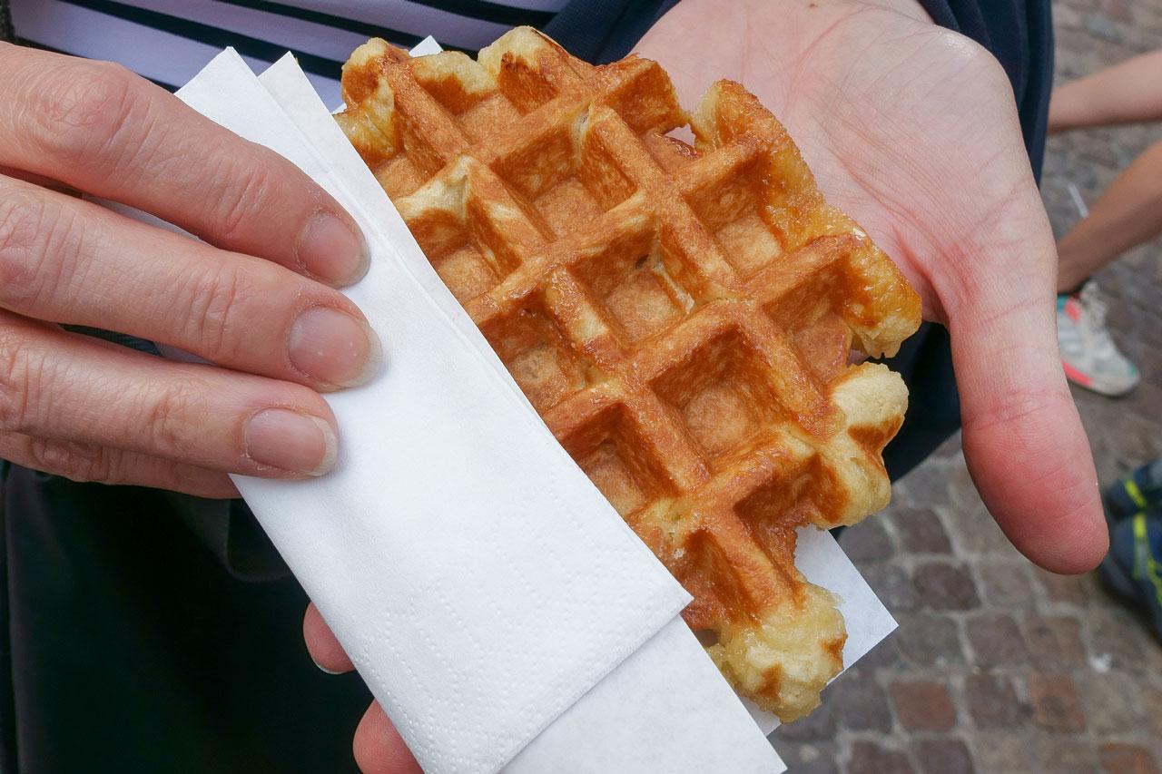 bruegge-tipps-chez-albert-belgische-waffeln-essen