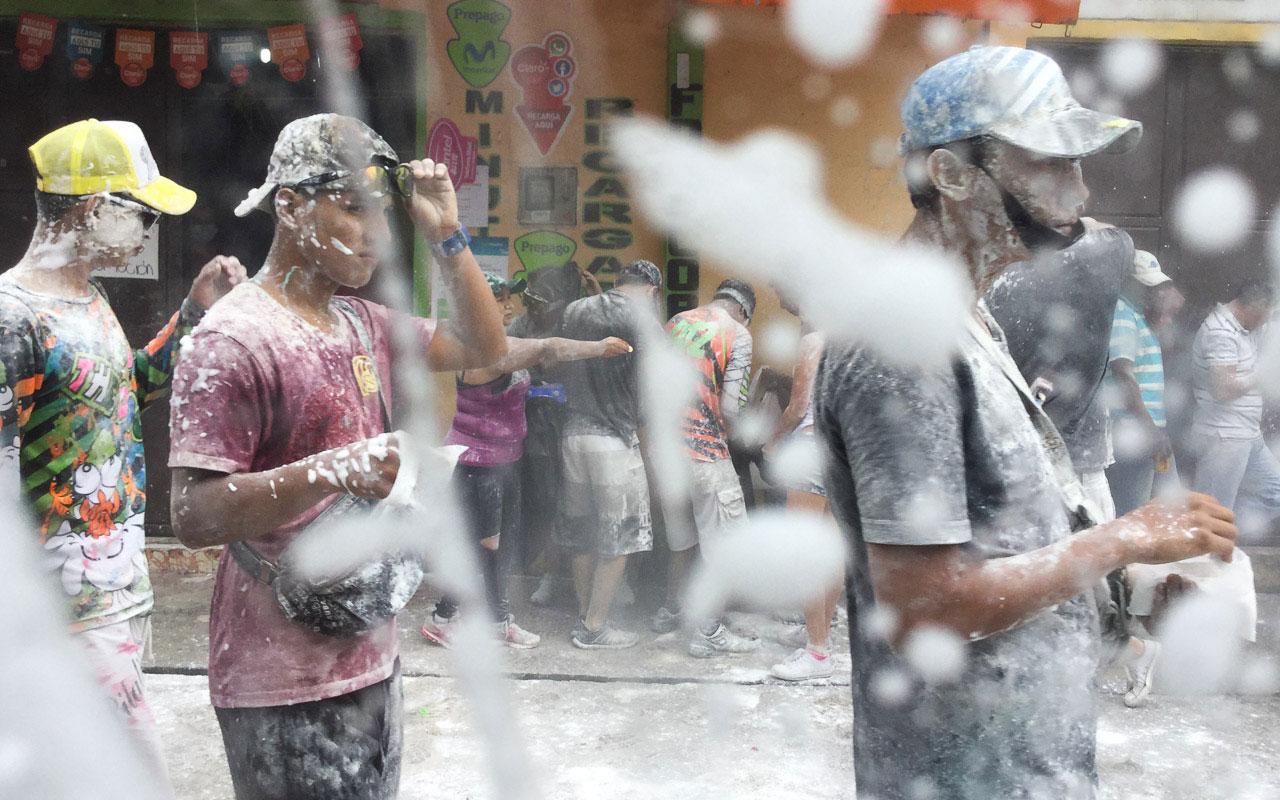 kolumbien-reisebericht-isnos-carnaval-de-blancos-v-negros-2
