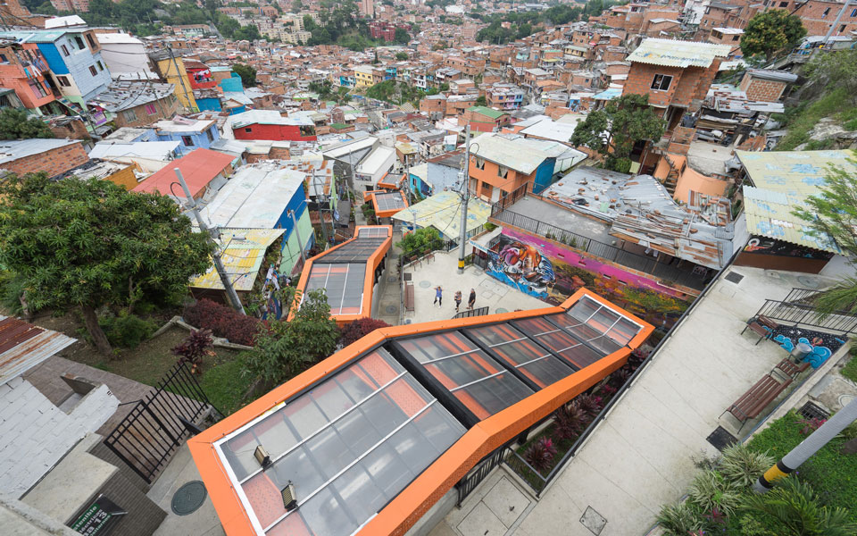 Rolltreppe in der Comuna 13 in Medellin