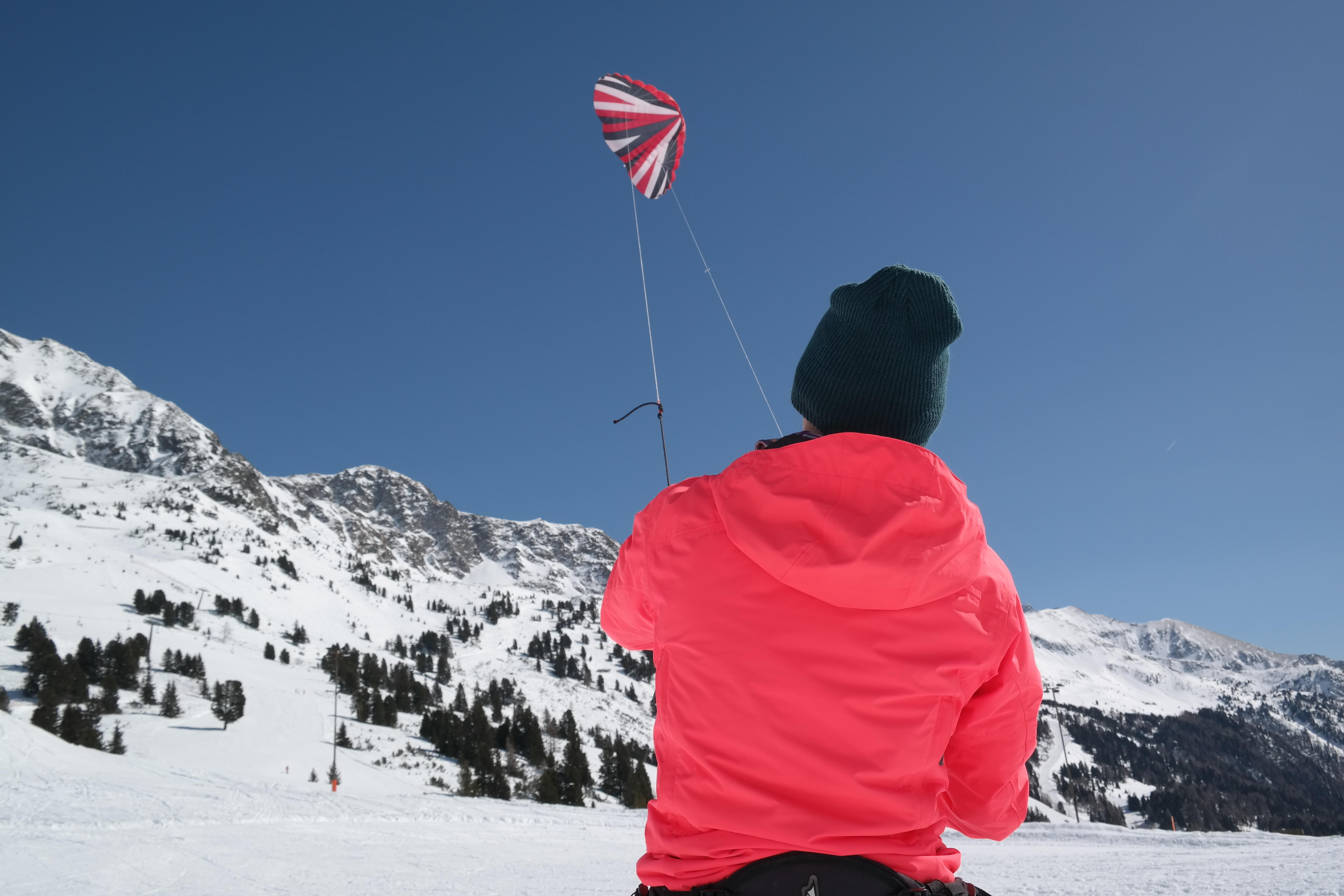 Snowkiten bei der Kiteschule Hang on!