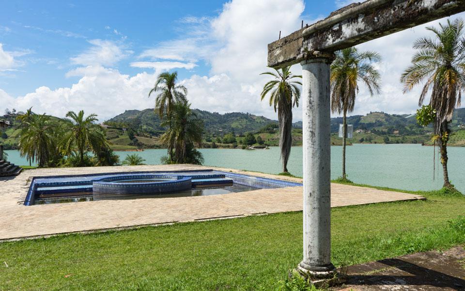 Pablo Escobar Villa La Manuela Guatape Pool