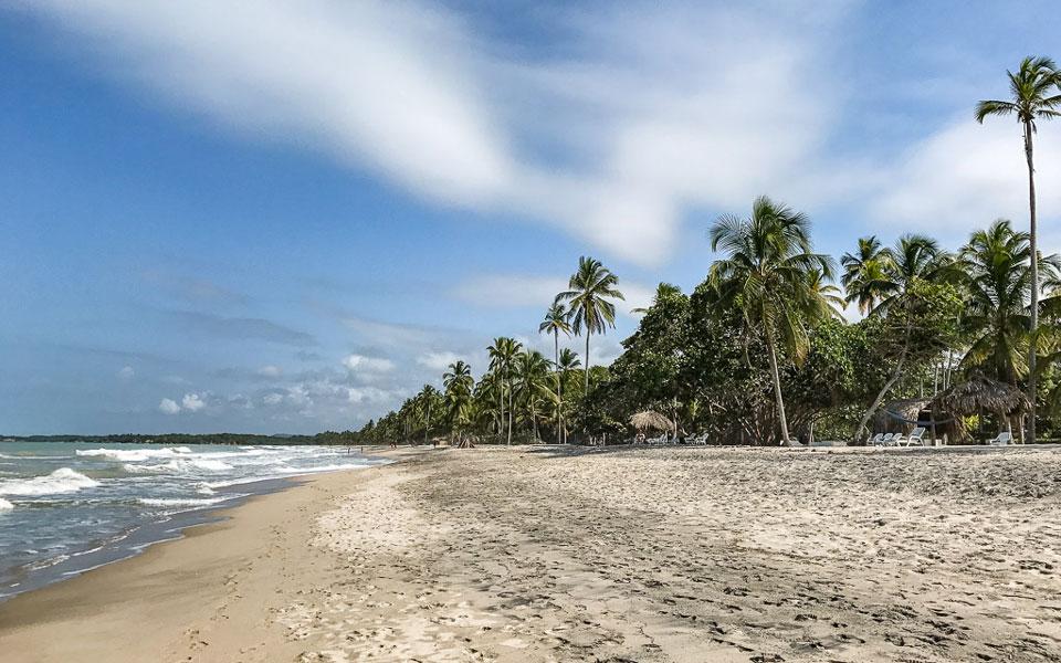 Strand am Hukumeizi Hotel in Palomino Ruhe pur