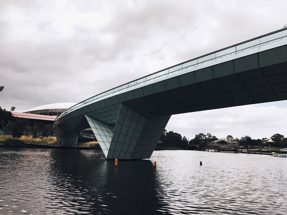 Adelaide Riverbank Pedestrian Bridge