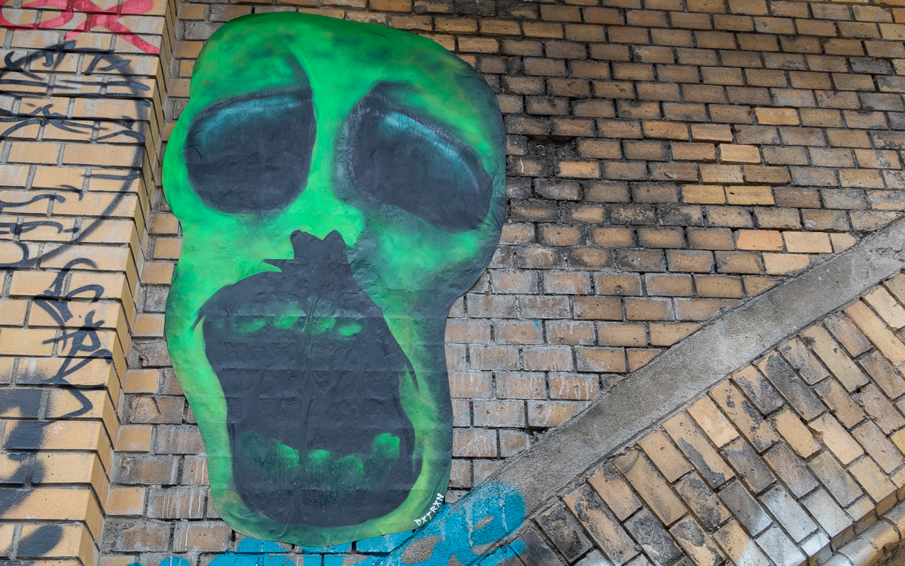 berlin-street-art-tour-hidden-path-5