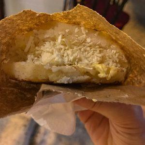 Arepa con Queso Streetfood Cartagena