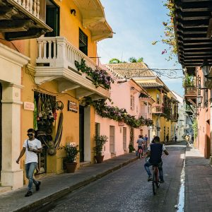 gassen-historisches-zentrum-cartagena-kolumbien