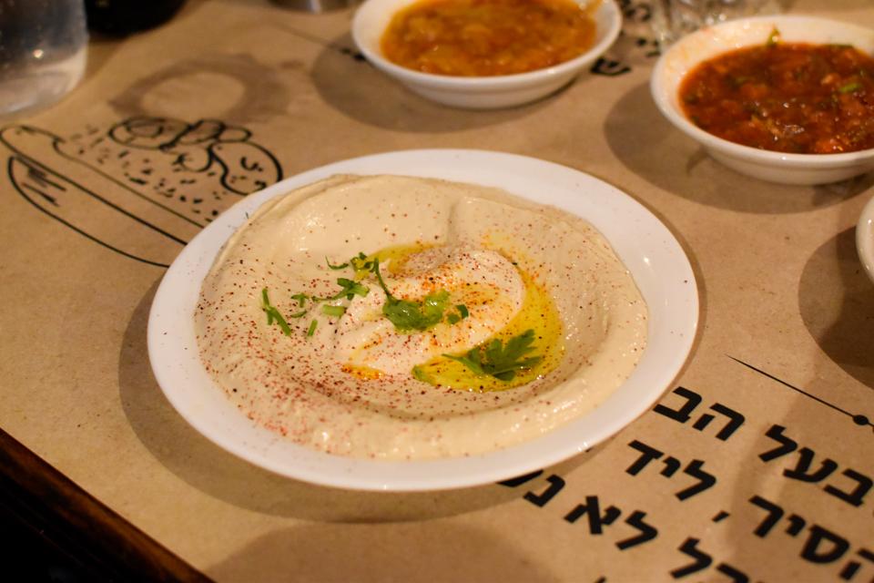 israel-tel-aviv-hummus