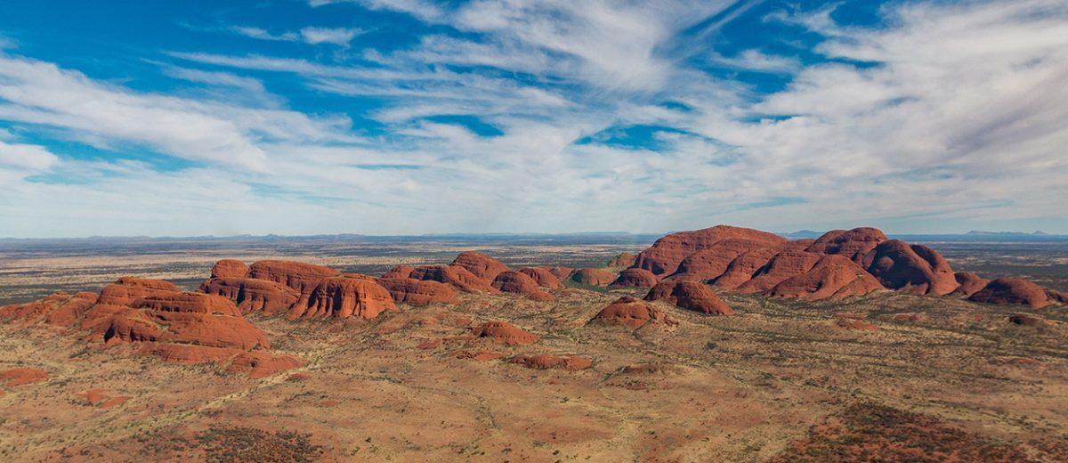 Uluru (Ayers Rock) im Outback Australiens mit Kata Tjuta & Field of Lights