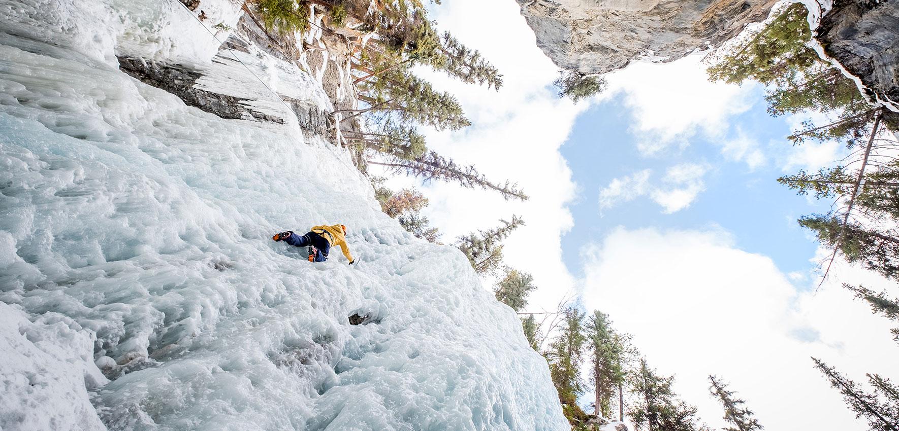 Ice Climbing Maligne Canyon, Jasper