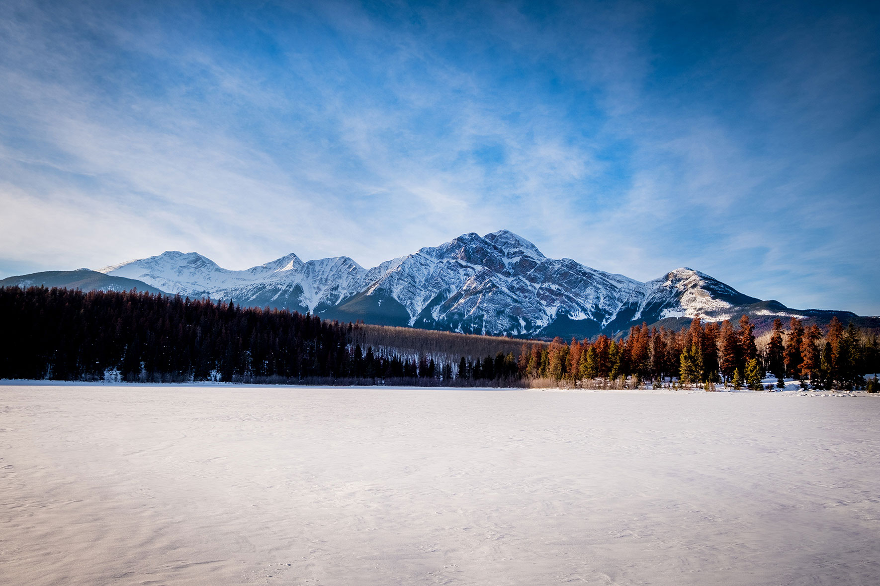 rocky-mountains-jasper-winter