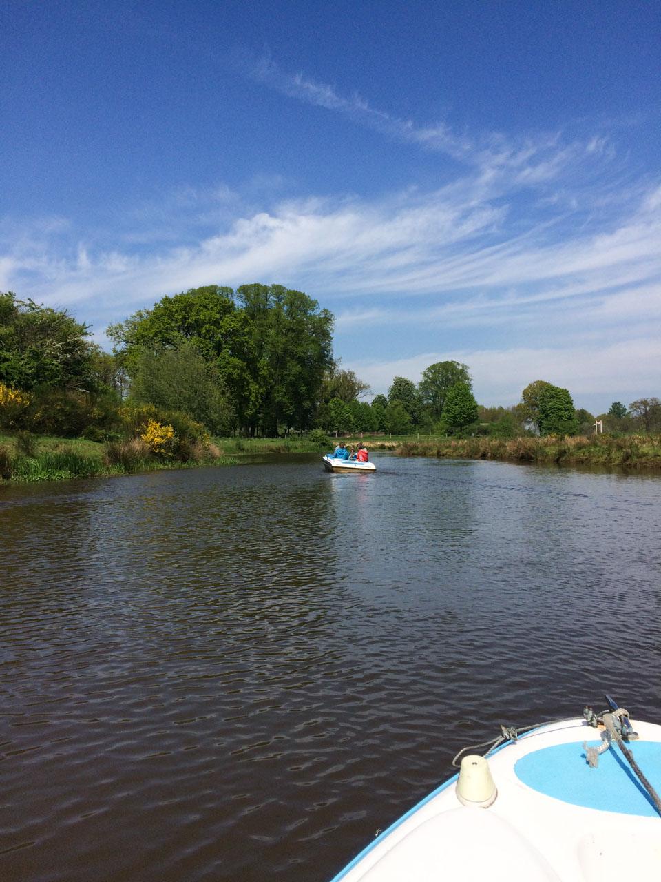 Holland Radtour Flüsterboot Kanal