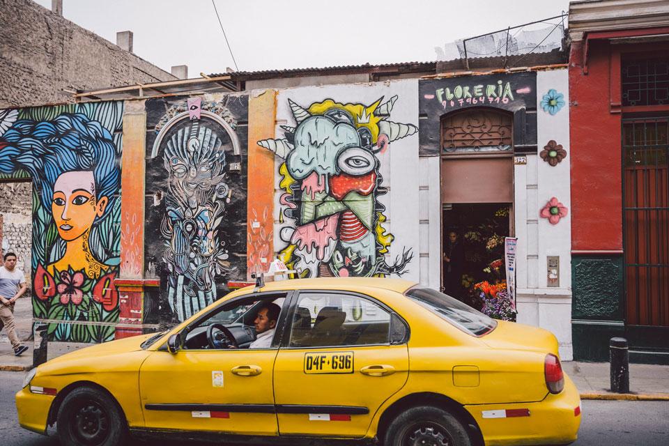 peru-lima-street-art-taxi