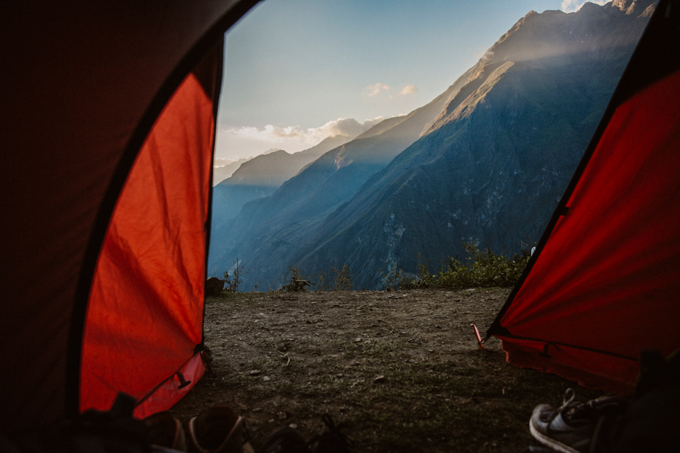 peru-reisebericht-choqueciaro-trek-ausblick-zelt