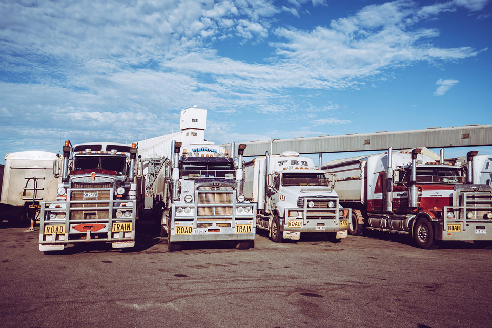Roadtrains - Tipps zum Auto fahren in Australien