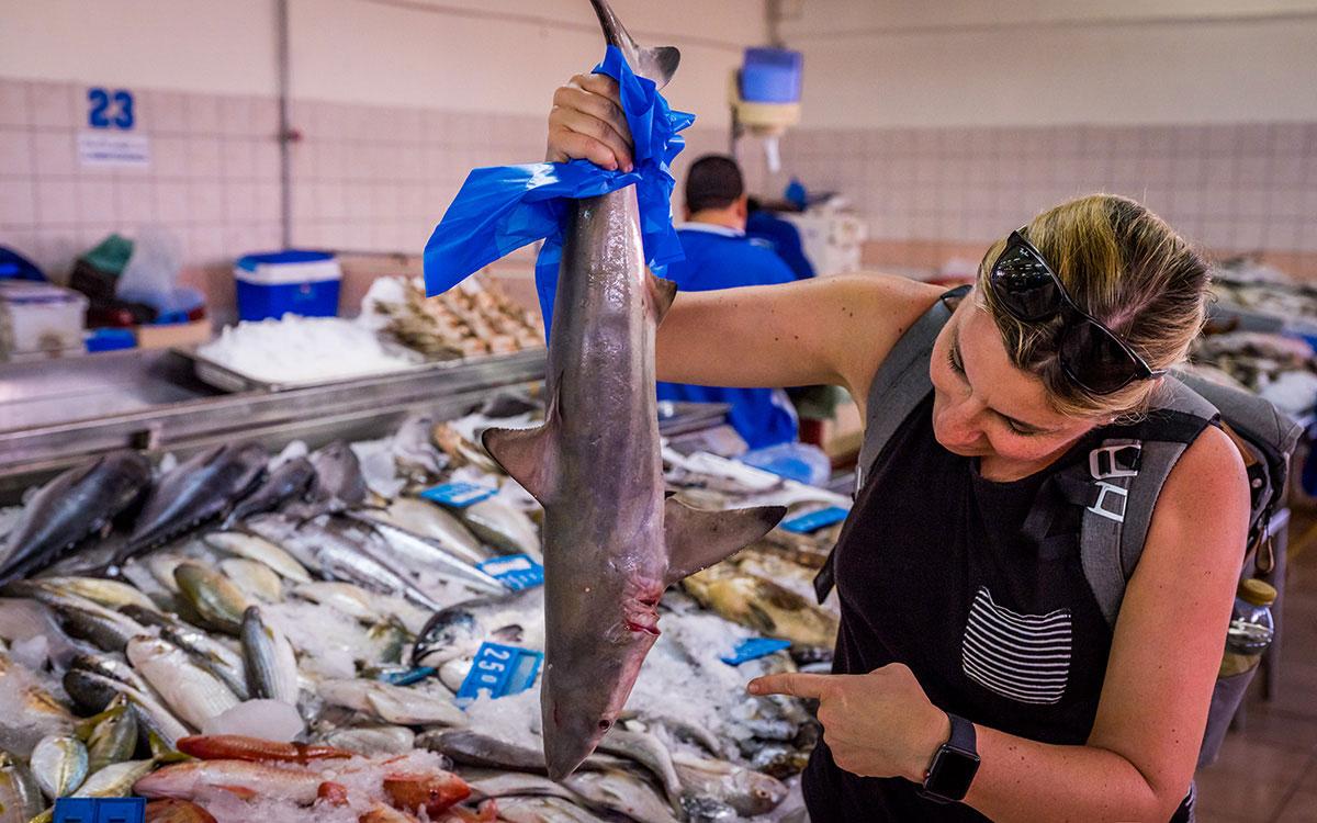 abu-dhabi-fischmarkt