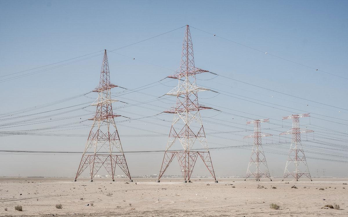 Strommasten Wüste Abu Dhabi | @Jens Burger Fotografie