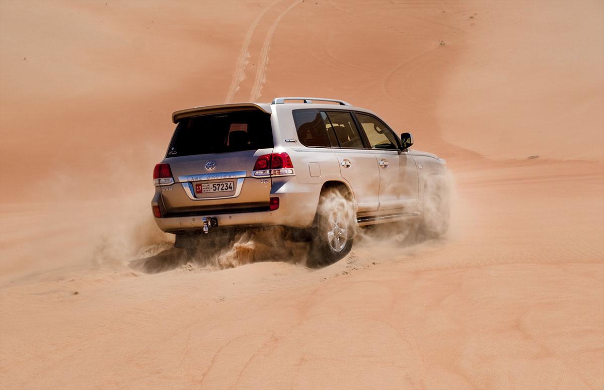 Düne hinab fahren Rub al-Khali Abu Dhabi