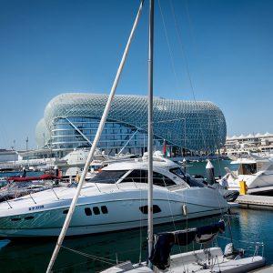 yas-marina-yachthafen-yas-viceroy-hotel