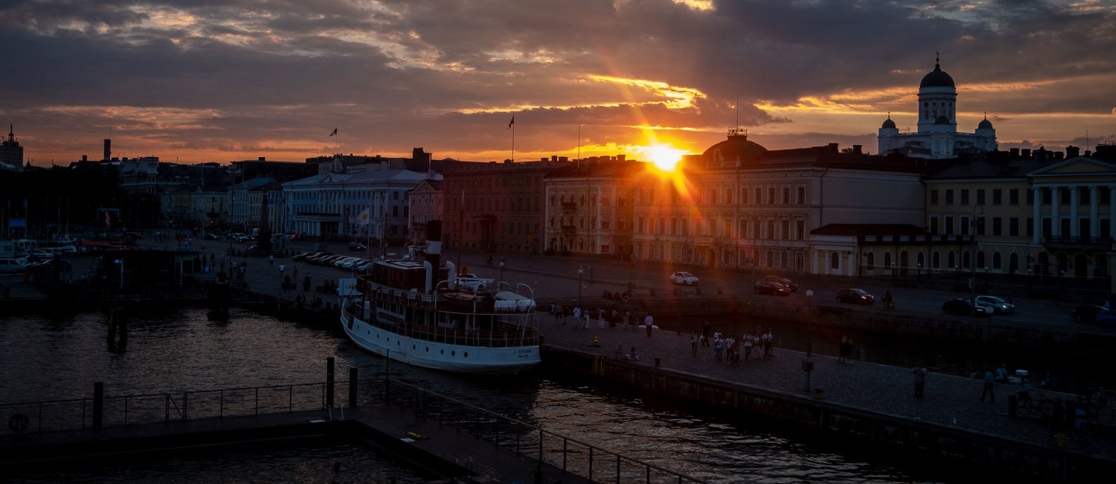 Sonnenuntergang Hafen Helsinki