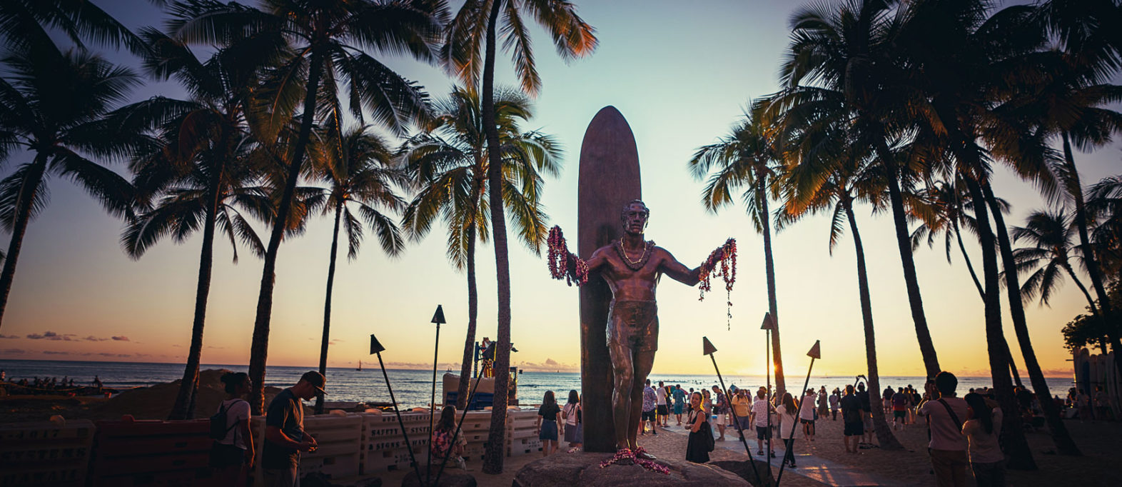 Oahu Waikiki Beach The Duke Statue
