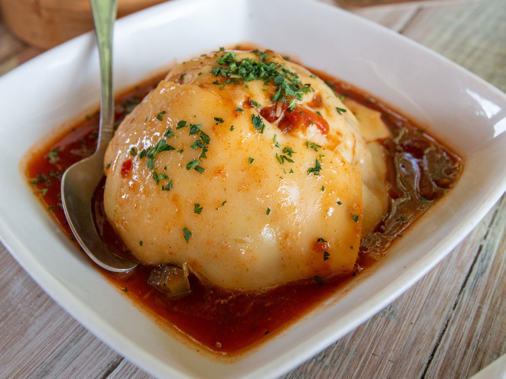 Keeshi Yena Aruba typisches Essen