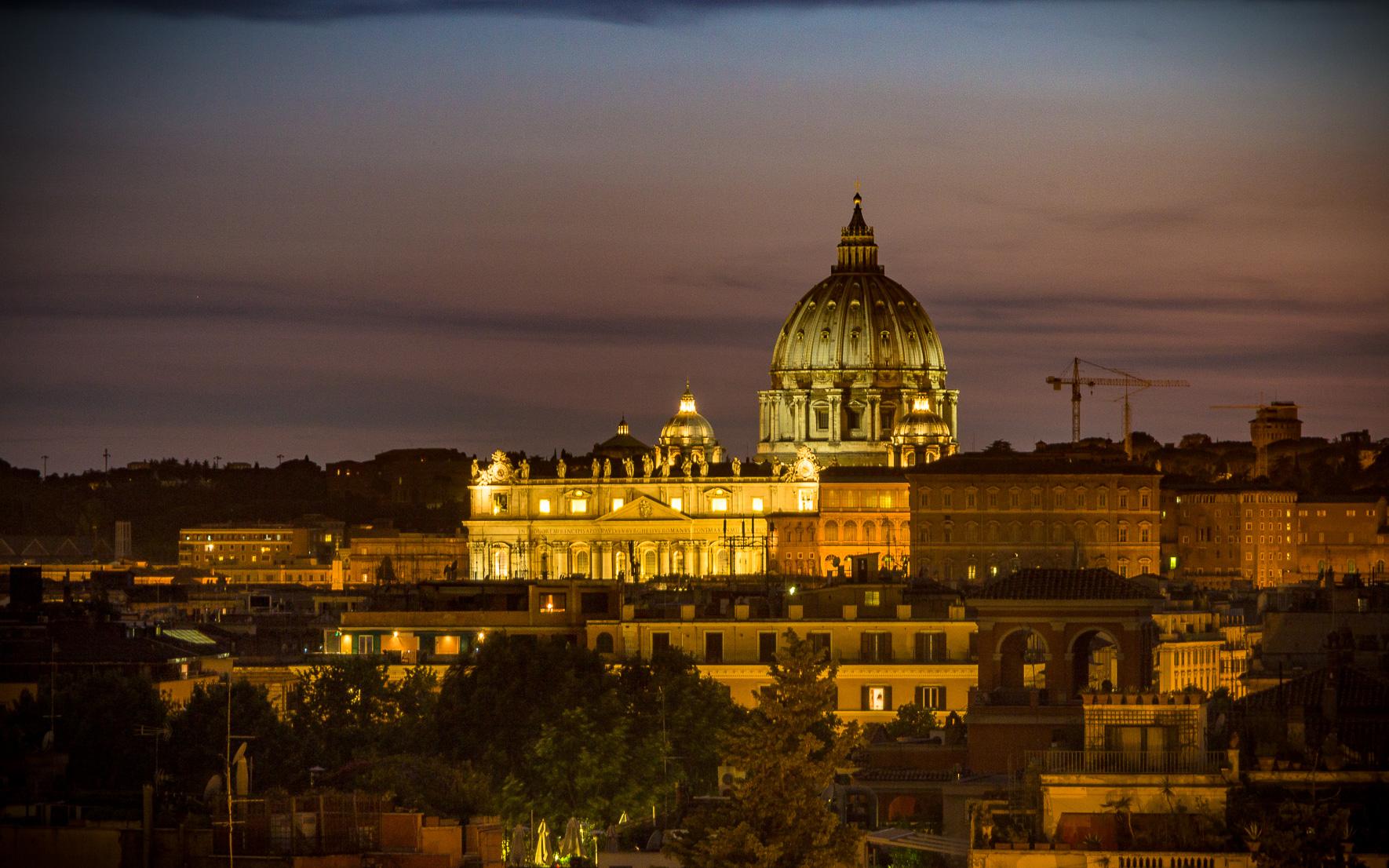 Blick Piazza del Popolo auf Petersdom