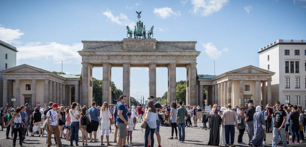 Dsa Brandenburger Tor und der Pariser Platz in Berlin