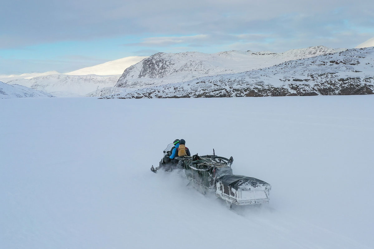 Schneemobil Arctic Circle Trail.