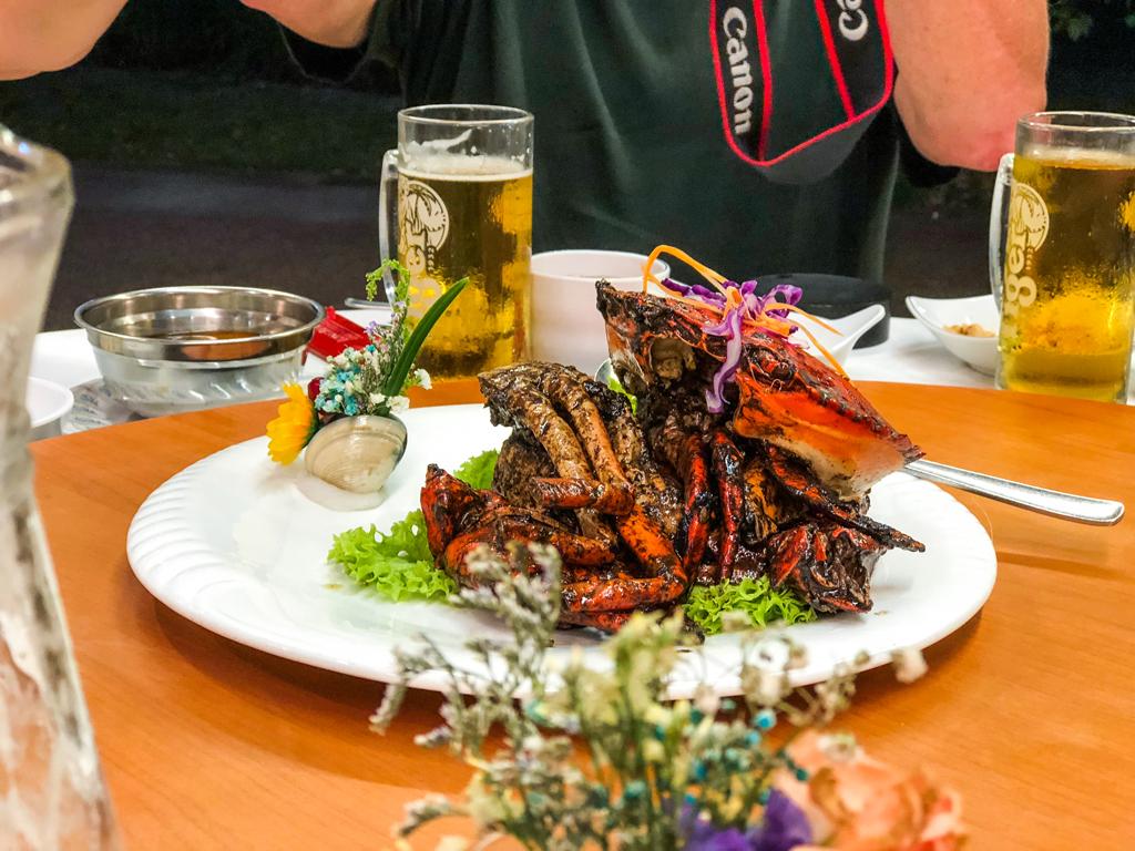 """Black Pepper Crab"" im Long Beach Seafood Restaurant Singapur"
