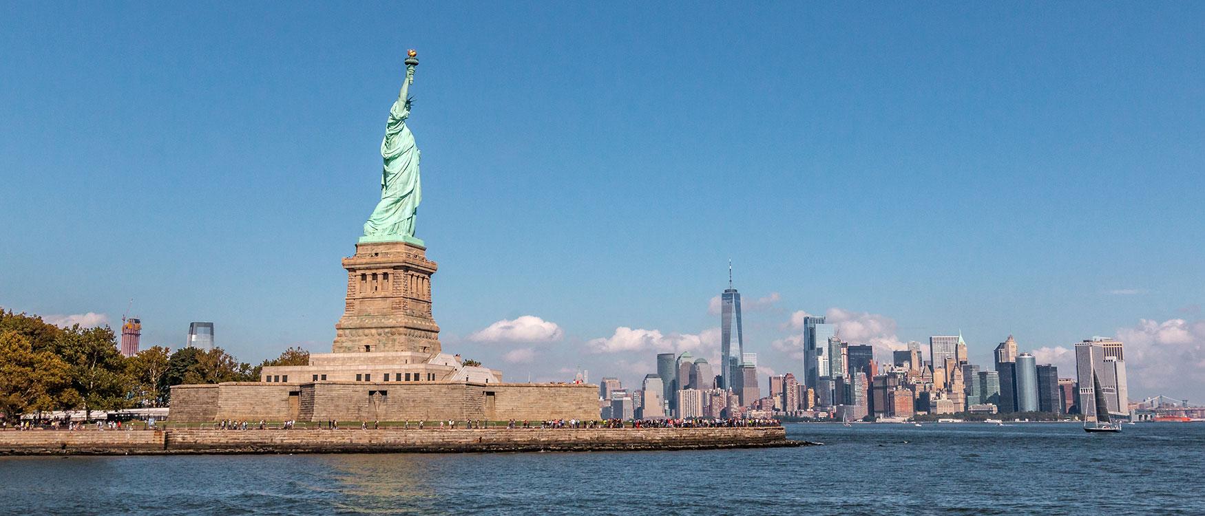 Freiheitsstatue & Skyline New York