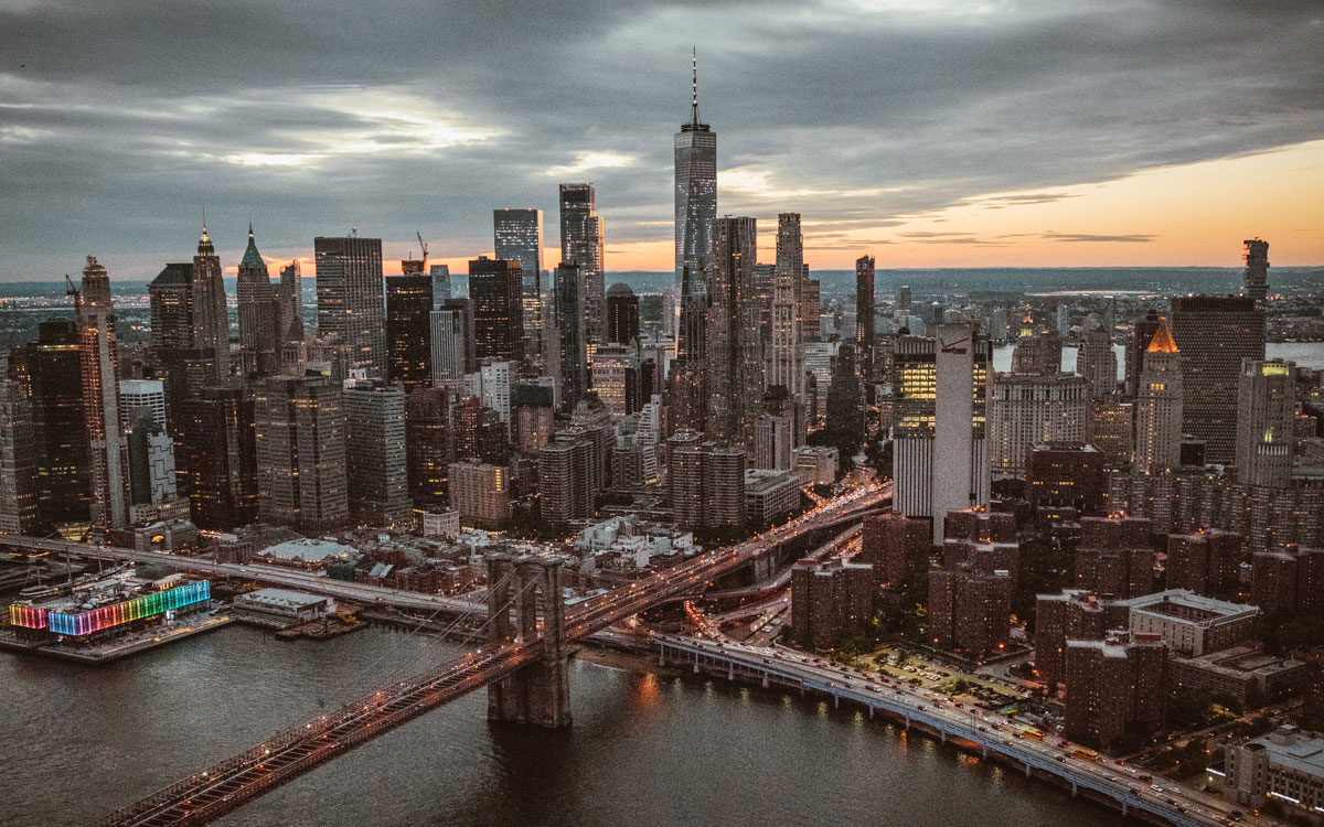 Brooklyn Bridge Heilkopterflug New York