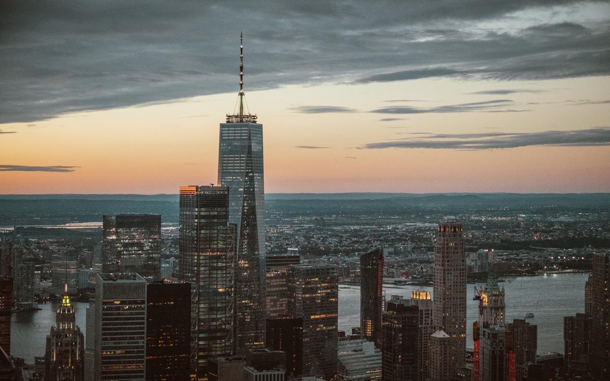One World Trade Center New York vom Helikopter aus.