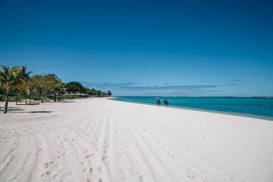 Strand des St. Regis Mauritius Hotels