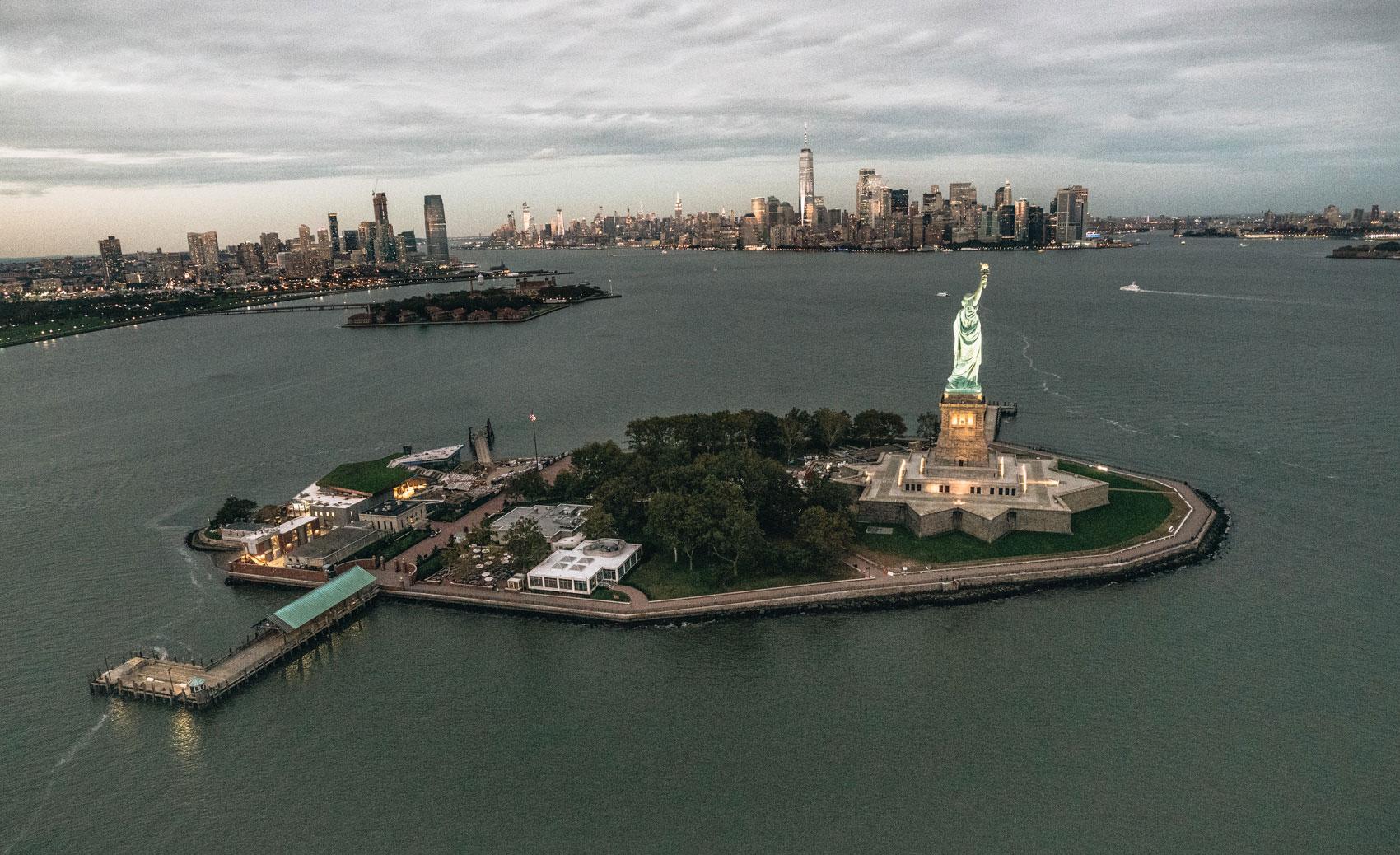 Helikopterflug New York Sonnenuntergang