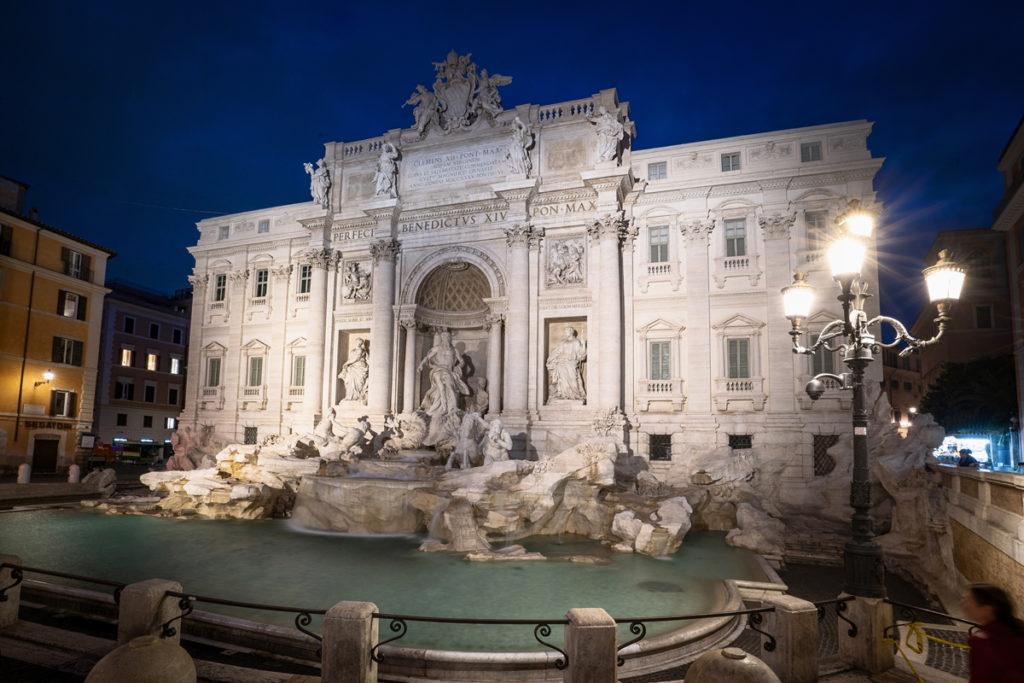 Trevi Brunnen in Rom Nachts