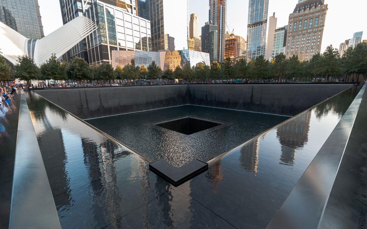 9/11 Memorial & Museum Brunnen