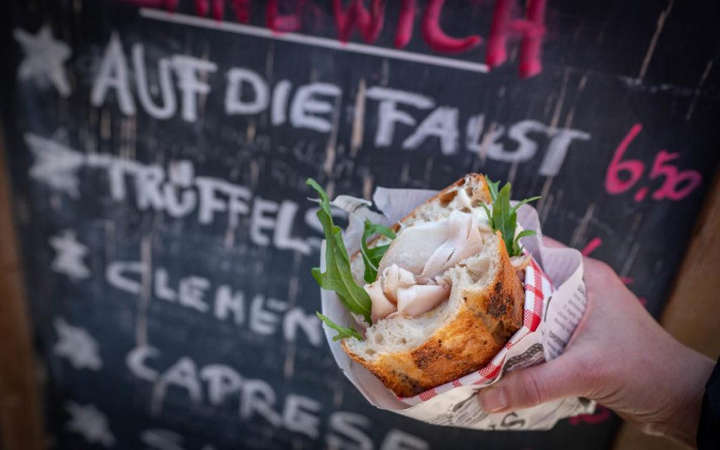 Viktualienmarkt Auf die Faust Sandwich München